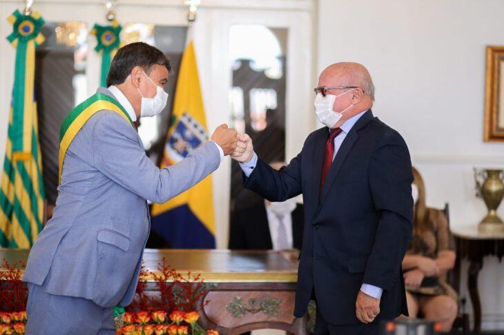 entrega de medalhas 16 Governador entrega medalhas por ocasião do 198º aniversário da adesão do Piauí à Independência
