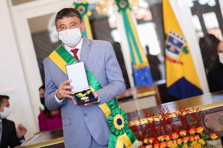 entrega de medalhas 22 Governador entrega medalhas por ocasião do 198º aniversário da adesão do Piauí à Independência