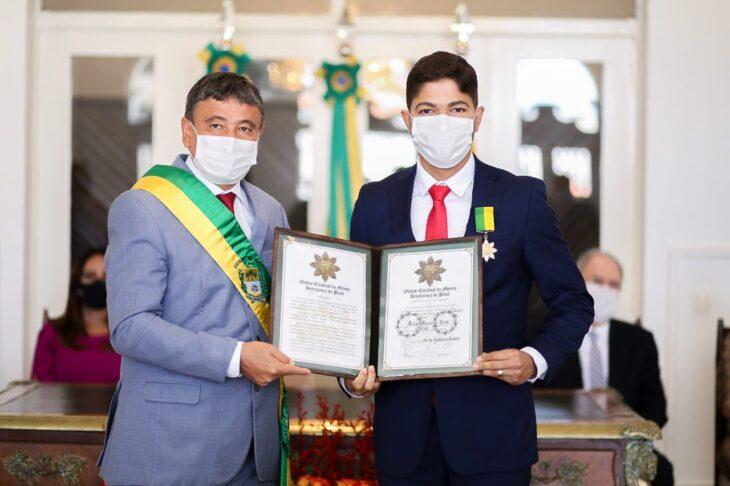 entrega de medalhas 23 Governador entrega medalhas por ocasião do 198º aniversário da adesão do Piauí à Independência