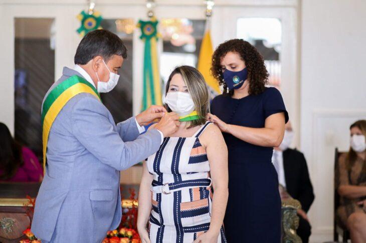 entrega de medalhas 4 Governador entrega medalhas por ocasião do 198º aniversário da adesão do Piauí à Independência