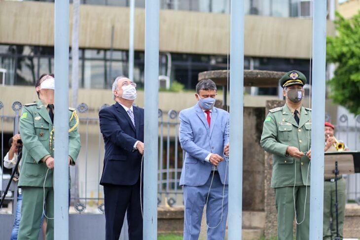hateamento bandeira 4 Governador entrega medalhas por ocasião do 198º aniversário da adesão do Piauí à Independência