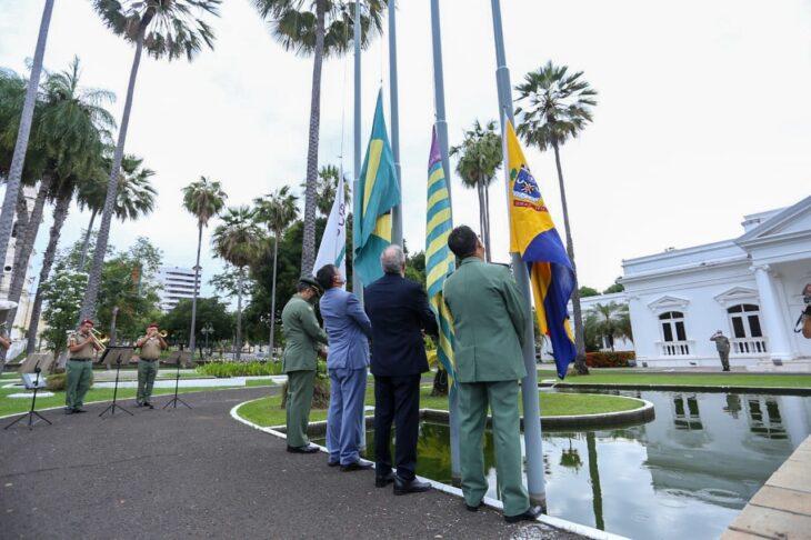 hateamento bandeira 7 Governador entrega medalhas por ocasião do 198º aniversário da adesão do Piauí à Independência
