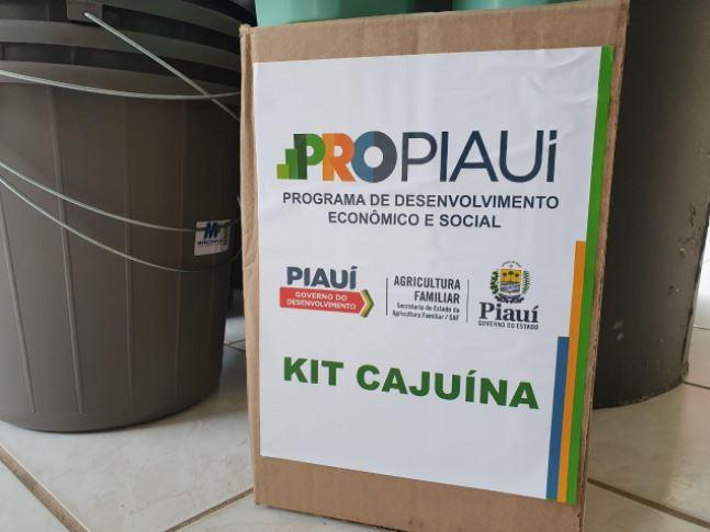 kits cajuina 5 SAF entrega kits para produção de cajuína a agricultores de três Territórios