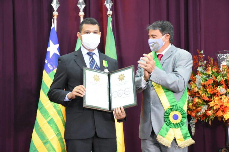 medalhas piracuruca 2021 9 Governador entrega medalhas do Mérito Renascença em Piracuruca