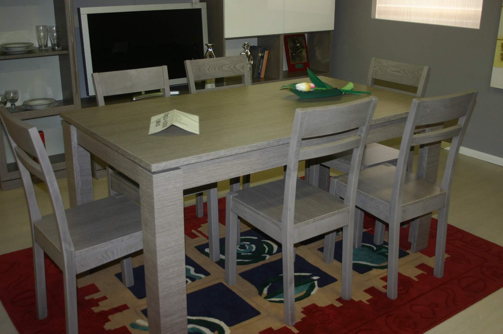 Tavolo pi 6 sedie piacentini arredamenti for Outlet sedie roma