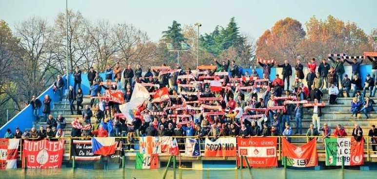 Tifosi biancorossi (foto Federico Gazzola)