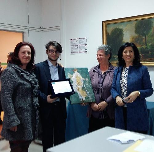 """Al  giovane Rocco Catania primo classificato al """"Premio Poesia Giovani"""" Menzione anche per  la studentessa Milena Arcuri della IAM"""