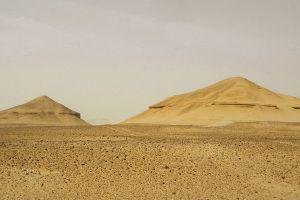 angela-micol-piramidi
