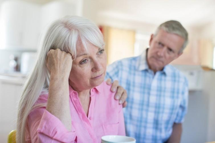 Cattiva memoria o principio di Alzheimer? Questi sono i segni che dovrebbero davvero preoccuparvi