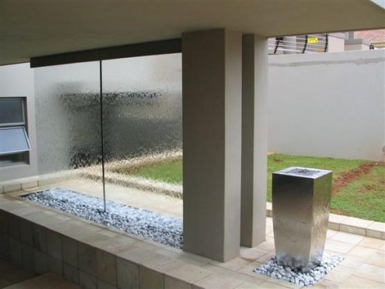 Porta un look minimalista e moderno. Pareti Acqua Per Interni Ed Esterni