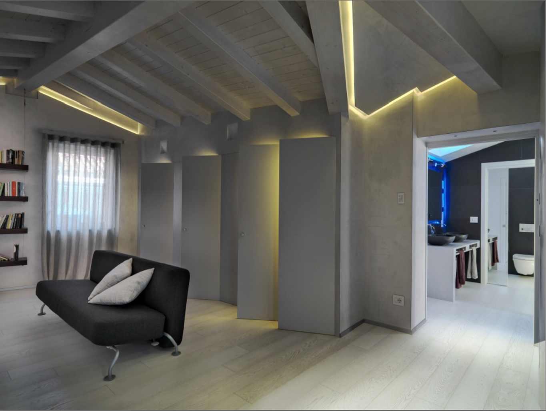 Illuminare un soffitto con travi a vista