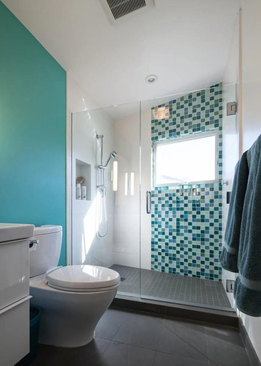 Come arredare un bagno piccolo quadrato