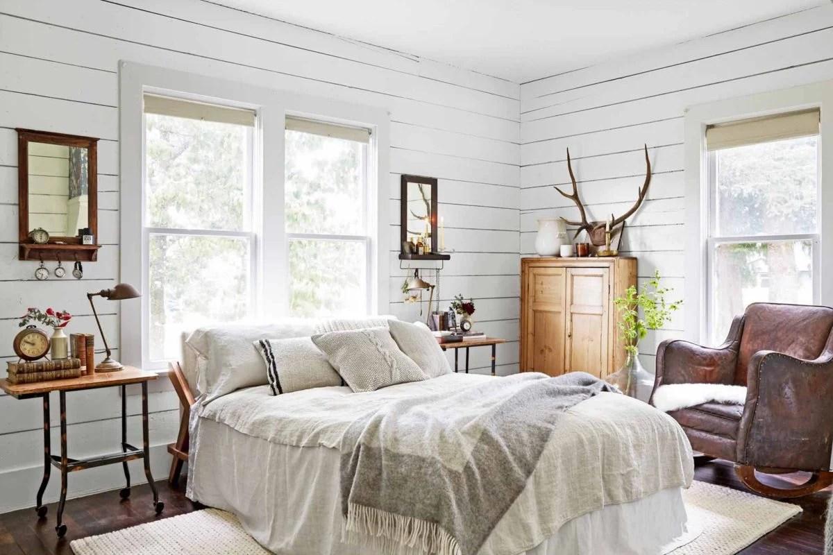 Ovviamente le tende in una camera da letto country non devono mai essere eccessive né devono avere dei colori troppo accesi o forti. Il Perfetto Stile Country Per La Camera Da Letto