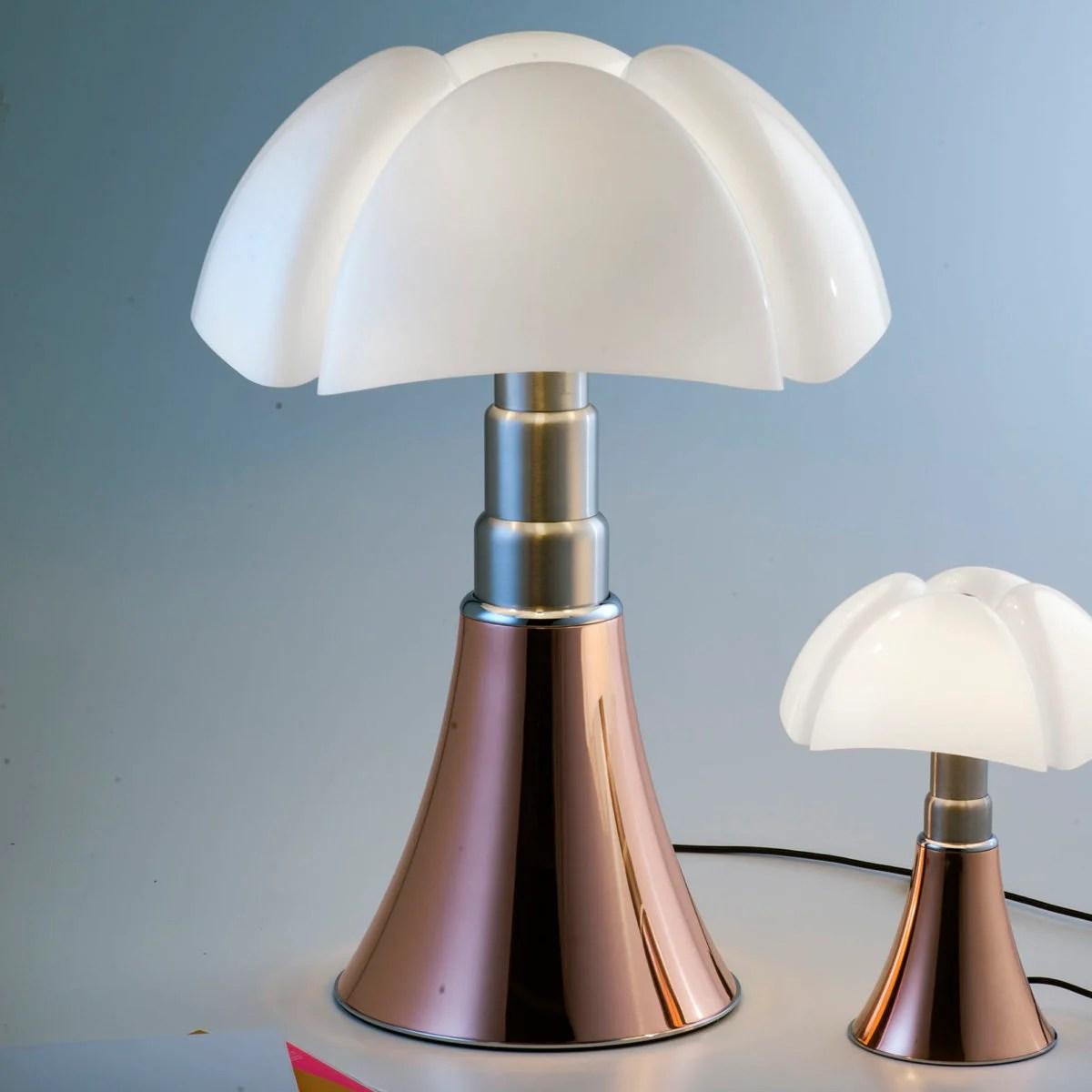 Ti portiamo questa bellezza, la lampada da tavolo dal design minimalista phantella, una lampada affascinante. 7 Lampade Da Tavolo Che Hanno Fatto La Storia Del Design