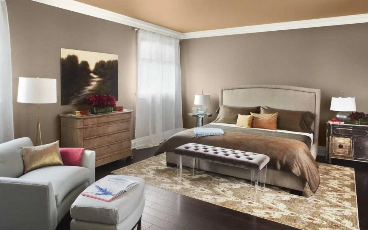 In una camera da letto classica, anche se l'arredo. Camera Da Letto Tortora Fascino Ed Eleganza Moderna