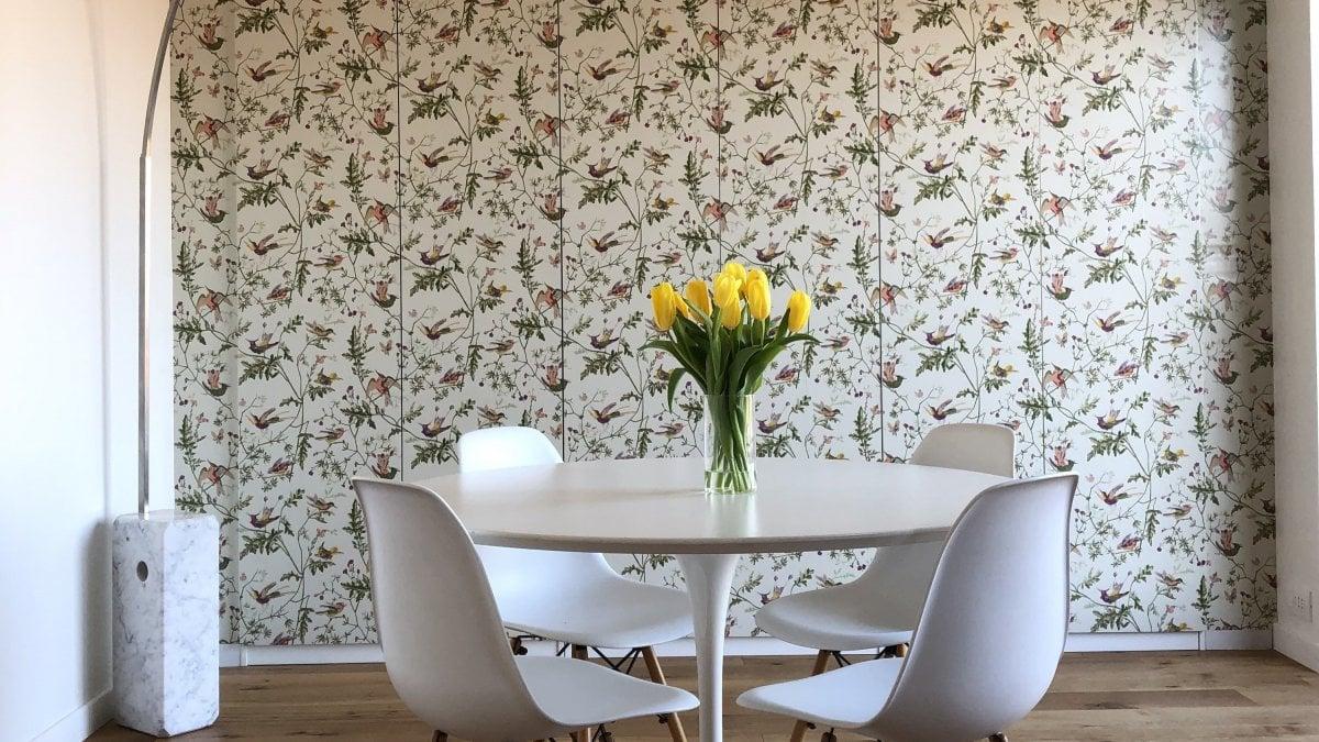 Utilizzata anche per la decorazione di mobili, la carta da parati si adatta facilmente a qualsiasi ambiente. Catalogo Leroy Merlin Carta Da Parati Lo Stile Inizia Dalle Pareti