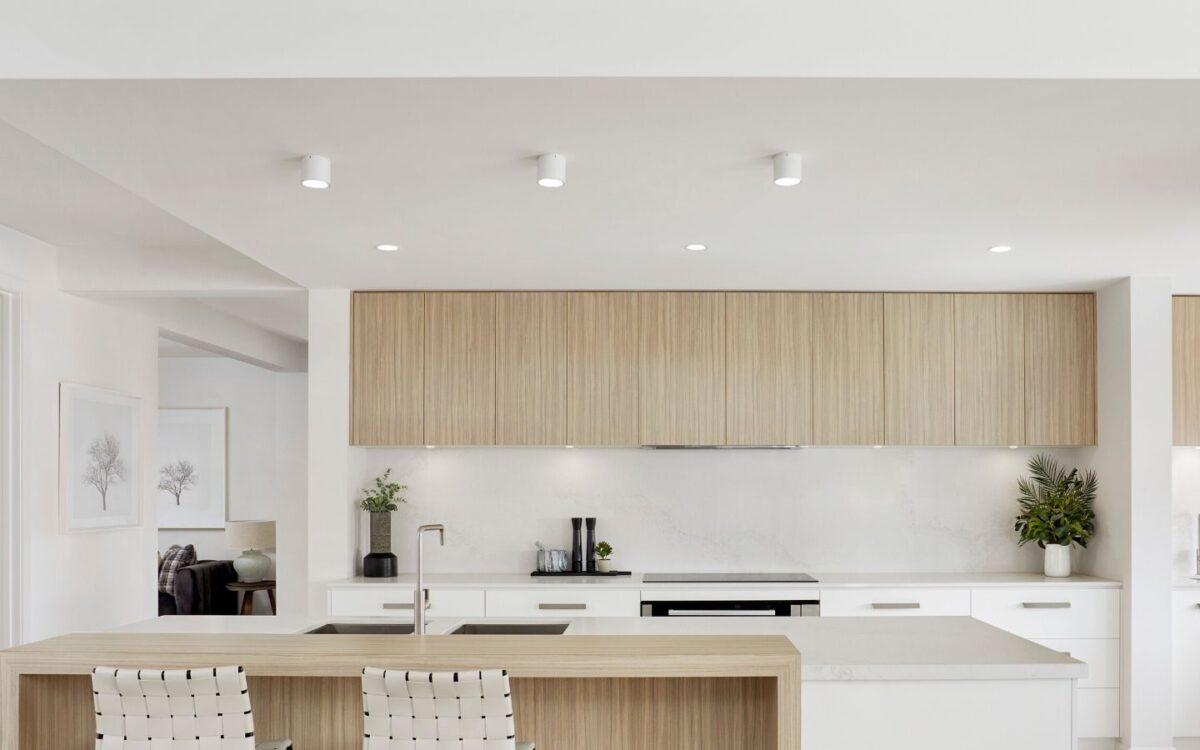 In questo caso il controsoffitto in cartongesso va a chiudere lo spazio tra la cucina e il soffitto. Cucina In Cartongesso Come Costruirla Vantaggi Costi