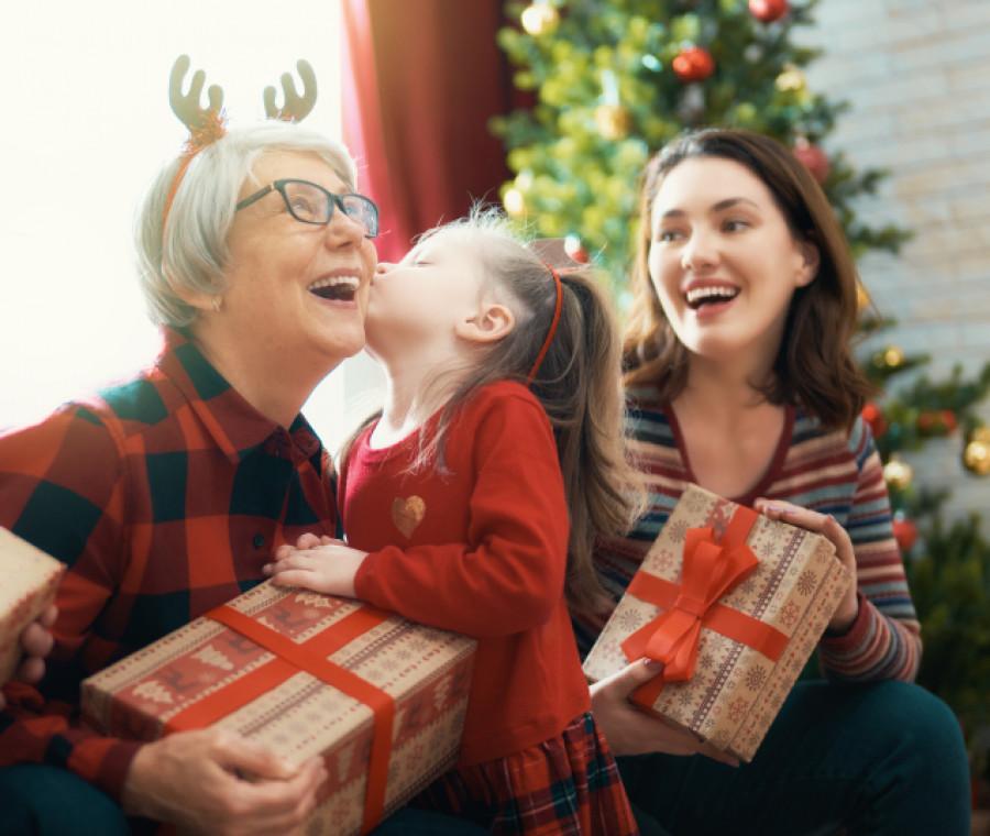 Scopri le nostre idee regalo per natale uniche, personalizzate ed originali! Regali Di Natale Per Nonni Pianetamamma It