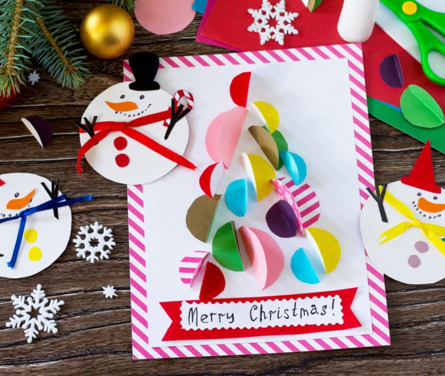 Quella di decorare le finestre durante le festività natalizie rimane una bella e poco impegnativa tradizione. Lavoretti Di Natale Per Bambini Pianetamamma It