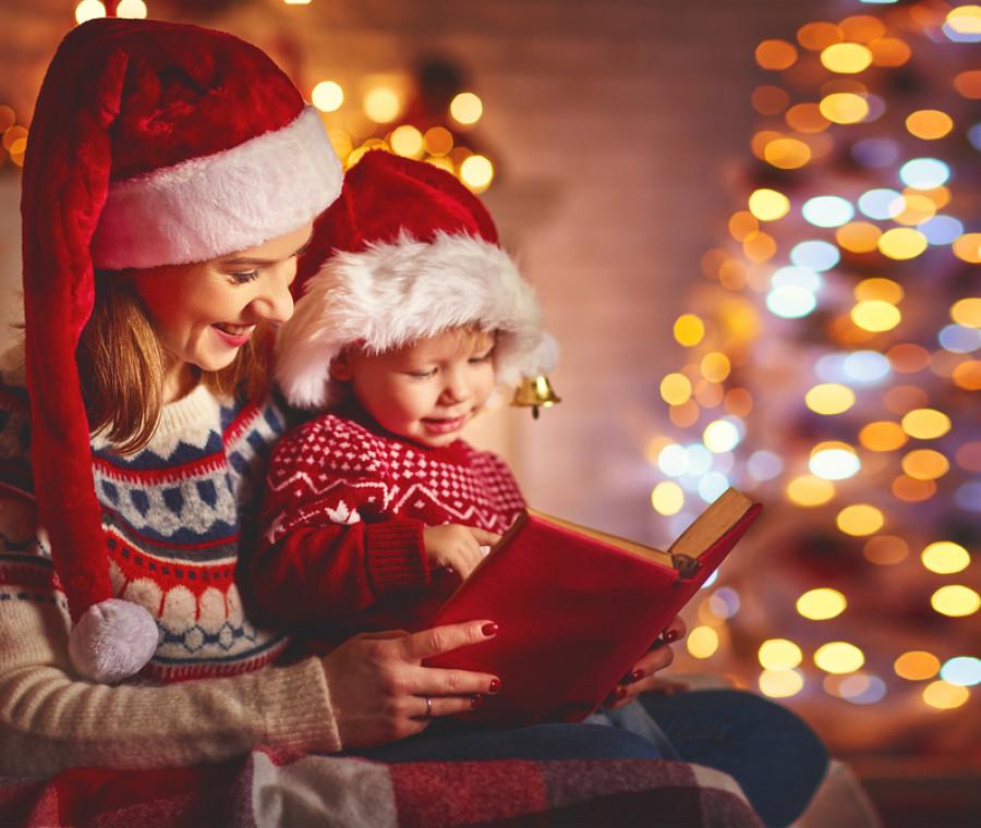 La sua funzione è quella di promuovere l'immagine del negozio distribuendo regali ai bambini, oppure quella di far divertire i bambini secondo il tema natalizio. Storie Di Natale Per Bambini Pianetamamma It