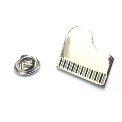 Insigne d'épinglette de piano à queue