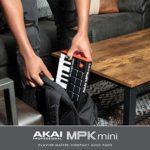 AKAI Professional MPK Mini MK3 – Clavier Maître USB MIDI 25 Touches avec 8 pads Rétroéclairés, 8 Potentiomètres et des Logiciels de Production Musicale Inclus