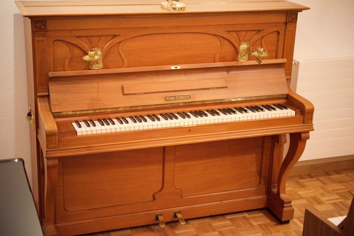 Hüni klavier