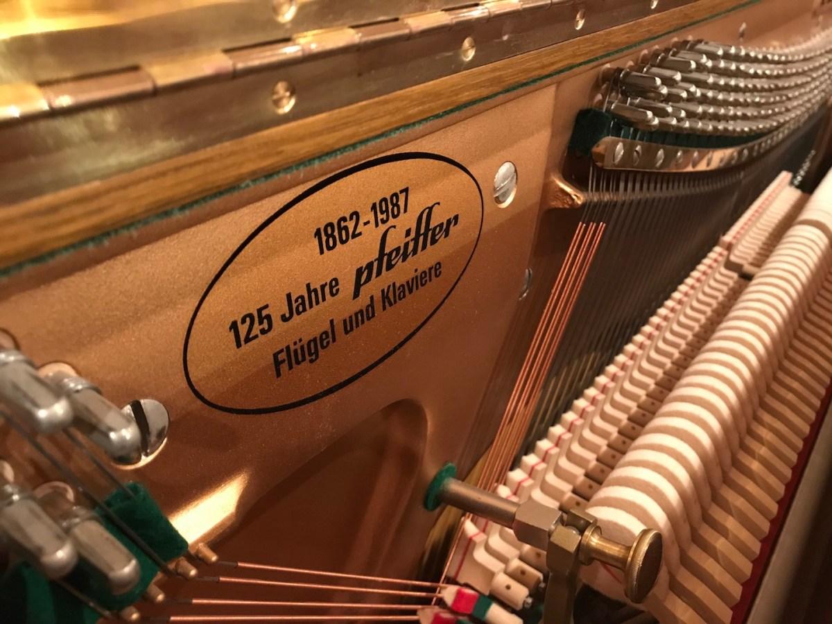 Klavier Pfeiffer 116