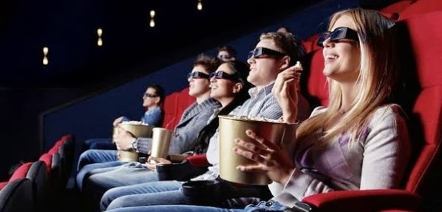 people-cinema-popcorn-640x427