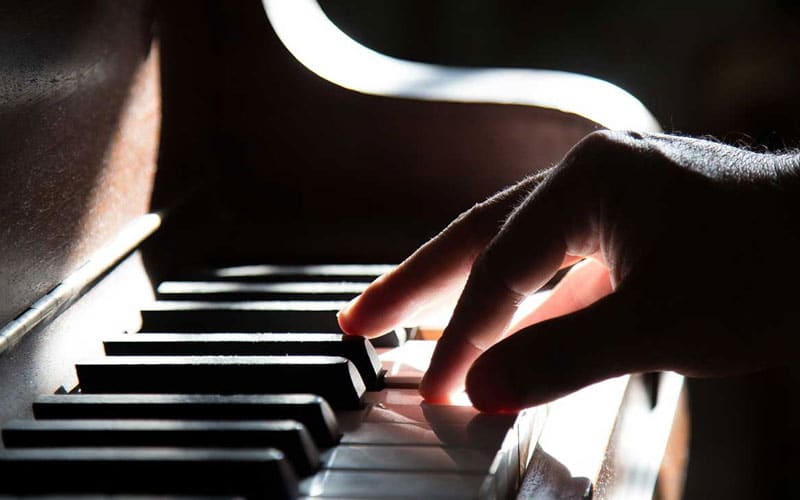 How to Become a Great Pianist in Just a Minute