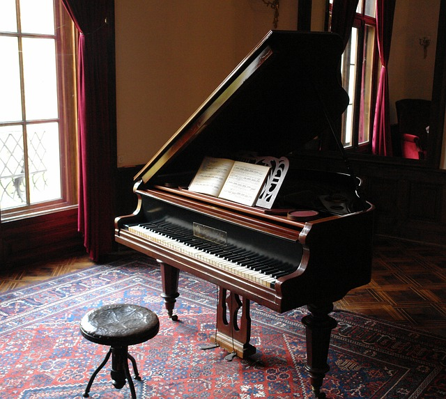 piano-601386_640