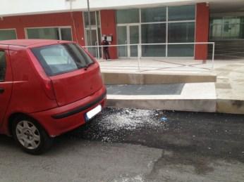 QUESTO VA BENE: coriandoli sull'asfalto in via Castromedianolto