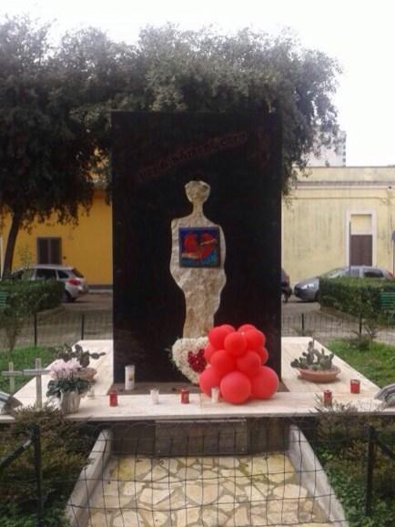 Il monumento vittime della strada a Nardò