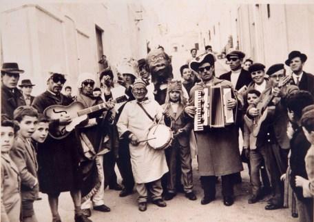 Il Carnevale negli anni '50 a Sannicola (foto di Antonio Calò, collezione privata di Francesca Calò)