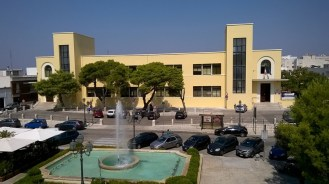 Casarano, scuola piazza San Domenico