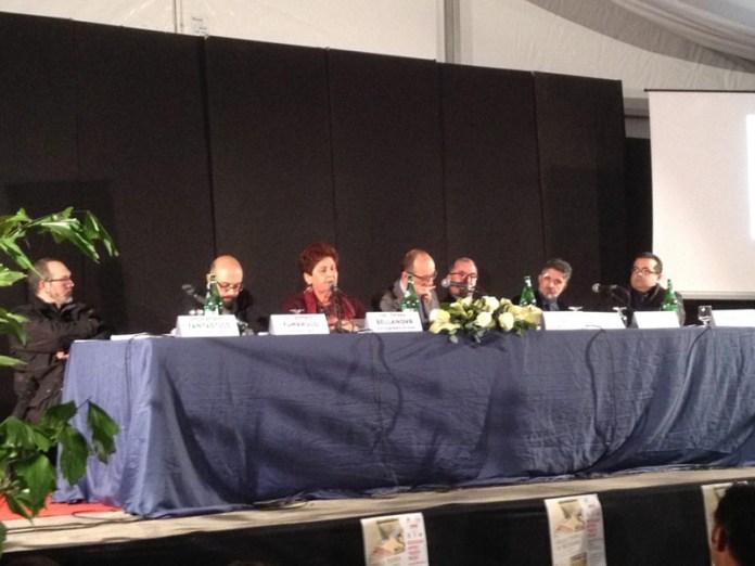 Il tavolo dei relatori al convegno della Caritas