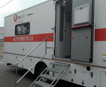 Una auto-emoteca, lo speciale automezzo che viene utilizzato come sala trasfusionale mobile