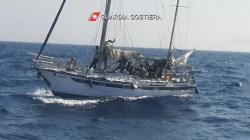 Migranti soccorsi al largo di Leuca (3)