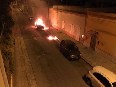 alezio auto in fiamme3