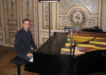 Il maestro Enrico Tricarico