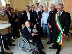 Padre Antonio Stefanizzi - festa per i 100 anni con il sindaco di Matino...