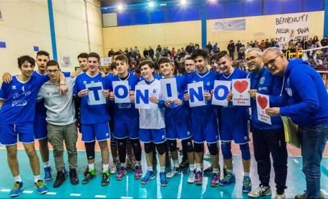 L'under 16 Alessano saluta Tonino Negro