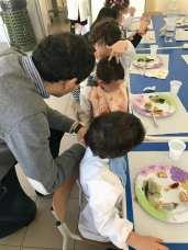 pranzo con i bambini della materna - patù (3)