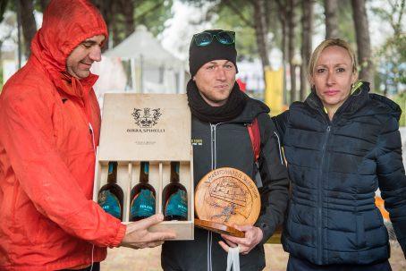 Maratonina 2018: al centro Luigi Zullo e accanto Daniela Hajnal