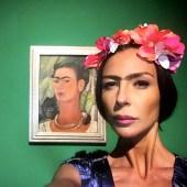 """3 """"Mi Kahlo nella parte"""" Frida Kahlo Autoritratto con scimmia, 1938 Frida Kahlo. Oltre il mito - MUDEC Museo delle Culture di Milano (2018)"""