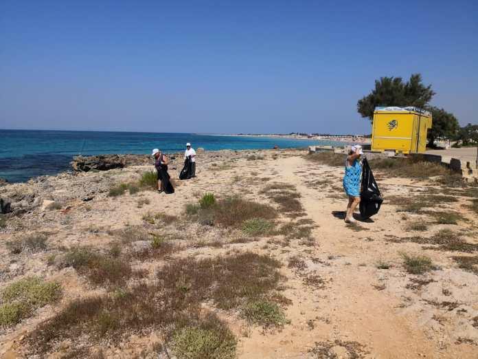Lido Marini, pulizia litorale (1)