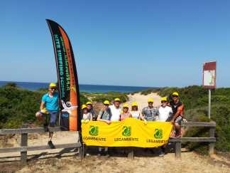 volontari e Kite surfer di Ugento parco Gallipoli