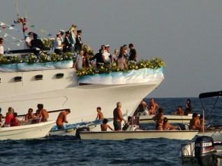 Leuca, la processione in mare