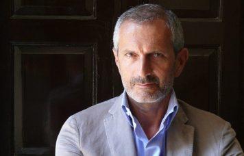 Lo scrittore Gianrico Carofiglio