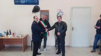 La cerimonia con il sindaco